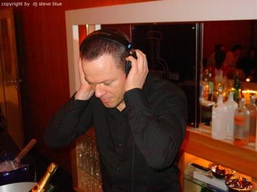 DJ-Steve-Blue